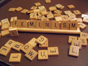 Contrastes féminisme- les équipes populaires